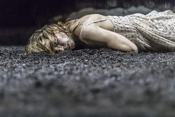 Billie Piper in Simon Stone Yerma (Photo: Johan Persson)